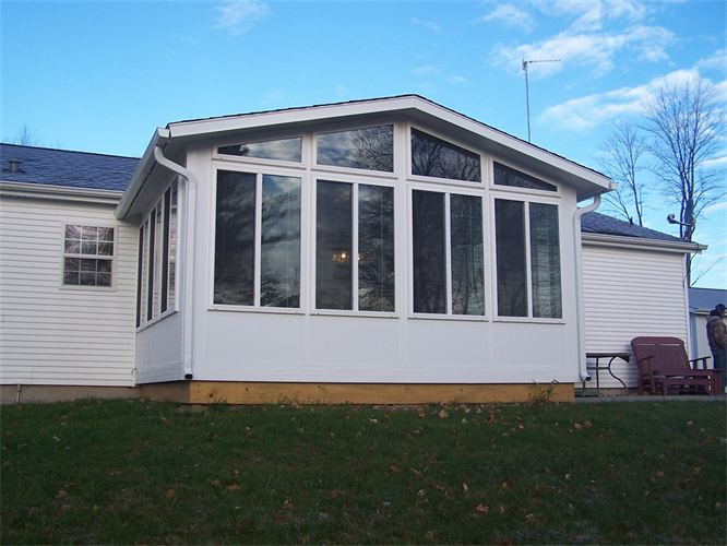 Reverse Gable Style 4 Season Sunroom in Northern Michigan