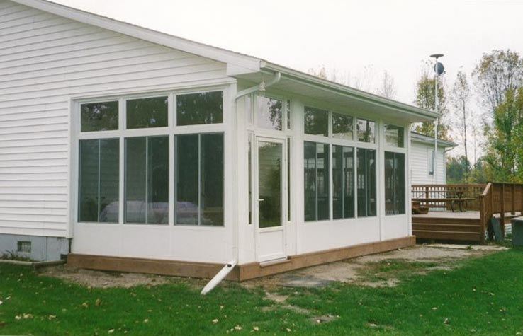 Wall System Style Sunroom in Northern Michigan